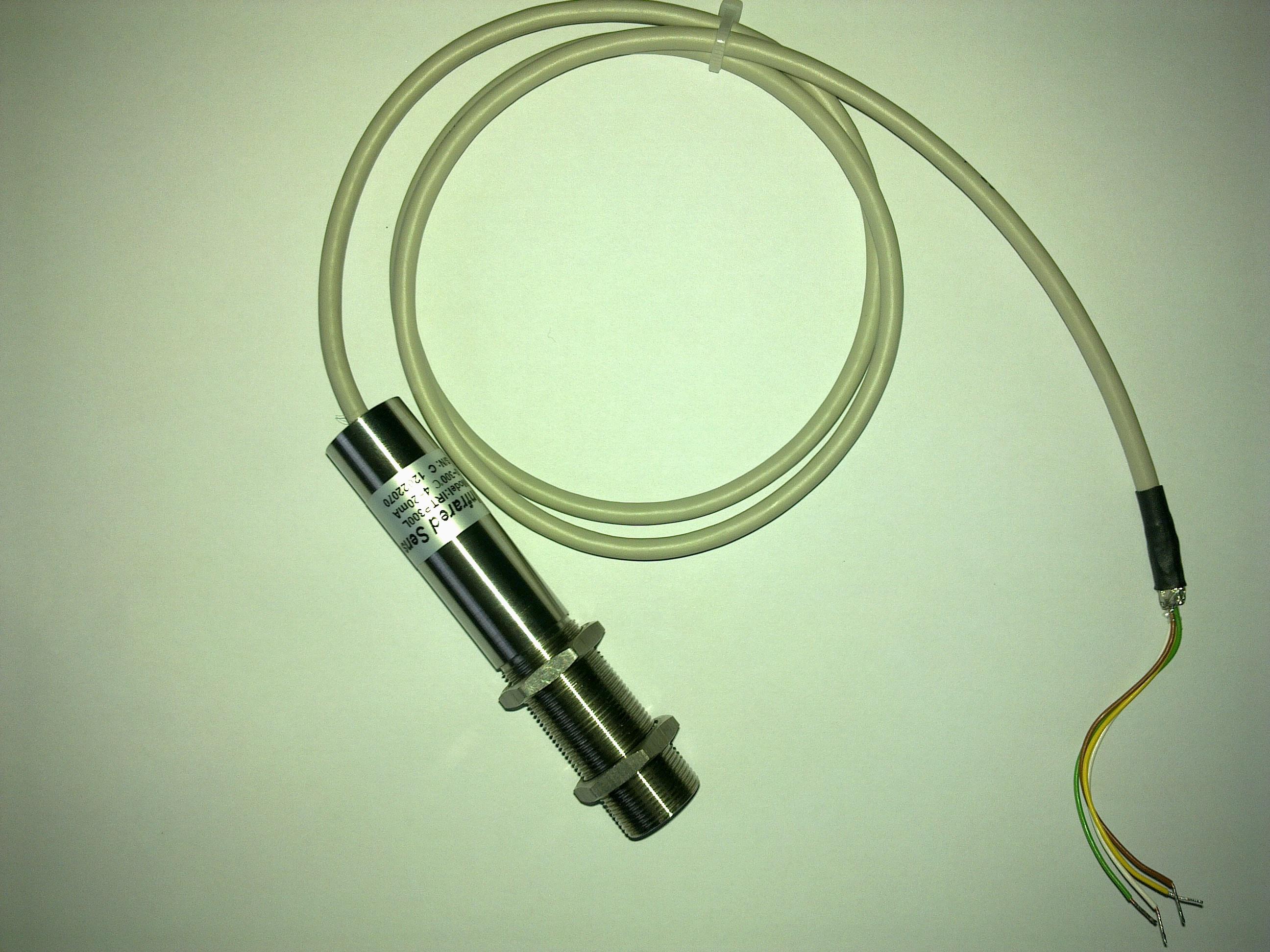 IRTP红外温度传感器介绍: IRTP300系列是一种集信号处理电路以及环境温度补偿电路的多用途经济型红外测温探头,完全由工厂进行校准,这使它成为多用途,紧凑的,高精度红外测温头。它是一种高效的,不受环境影响的器测温头,例如污染,潮湿以及电磁干扰环境等。 应用领域:非接触温度传感器,手持式或者工业测温仪;轴承温度测量;电气设备:电缆接头、开关柜、变压器和电气面板的故障监测等;汽车、微波炉,空调、燃气灶具等产品。 IRTP红外温度传感器参数: 1.