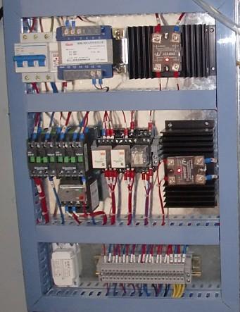 触摸屏与plc恒温控制电路图